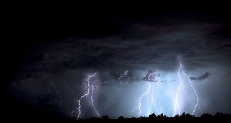 lightning-1158027_960_720[1]